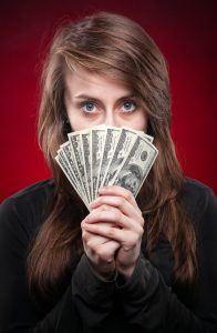 Erittäin edullista lainaa kätevästi tilille 20-vuotiaana