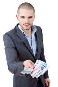 Maksuaika voi olla erittäin pitkä, jos lainaa hakee 19-vuotiaana